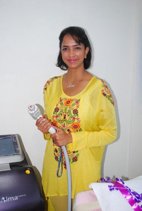 Lakshmi Prasanna @ Livlife Hospitals Function Photo Set - N/W  Lakshmi-Prasanna-at-Livlife-Hospitals_026