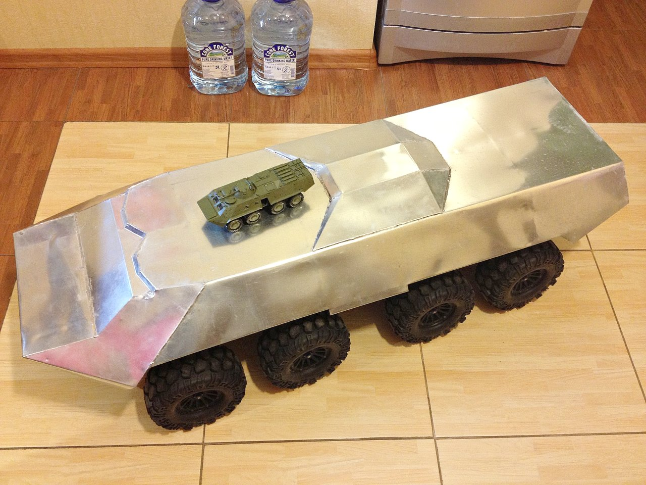 Rc It Music Photo Video Rc Btr 80 8x8 1 6 Scale Based On