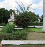 Monumento Madre Calkiní. NI poda, riego, pintura, alumbrado, recoja  basura, fertilización. 13nov12