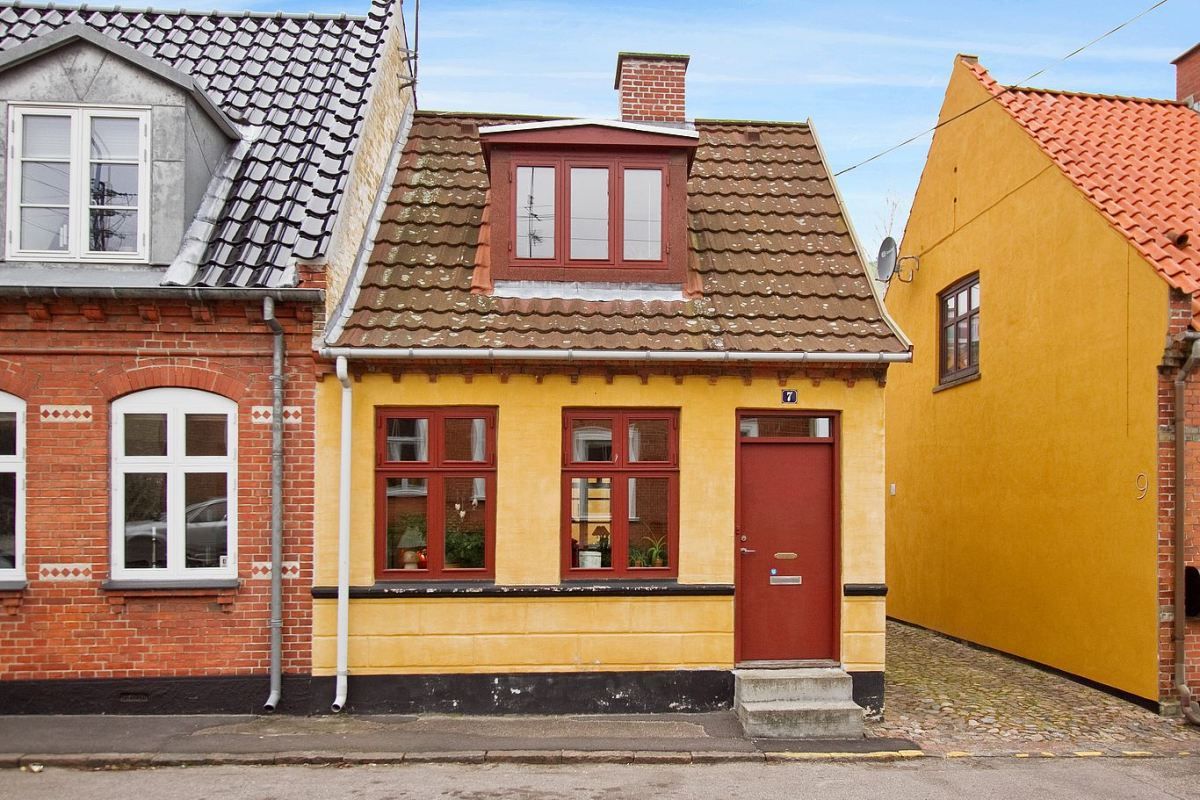 Cozy 1894 Danish Small House