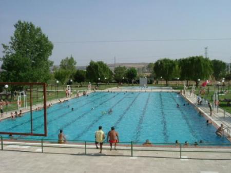 Escuela de natacion piscis x trofeo campo ara uelo de for Piscinas naturales navalmoral dela mata