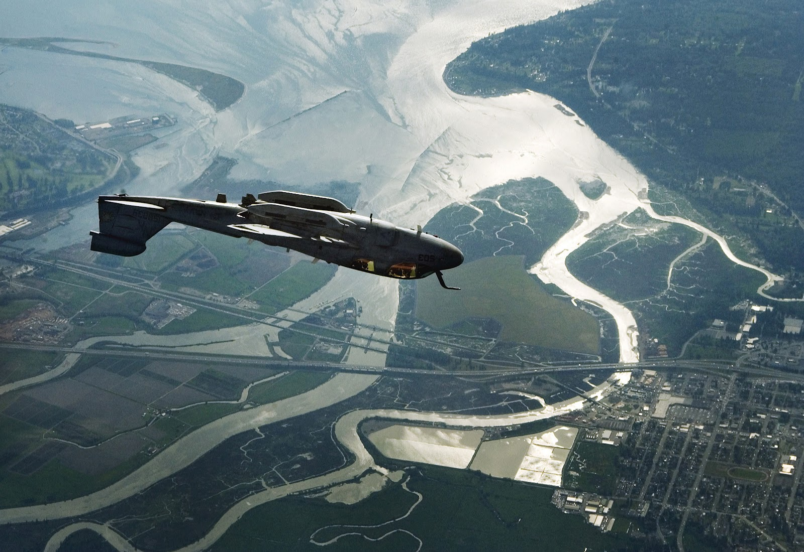 http://4.bp.blogspot.com/-aEBHksXnsR4/T3r1CUNhGjI/AAAAAAAAH08/gAqAi4UcOZY/s1600/EA6B_Prowler_inverted_flight.jpg