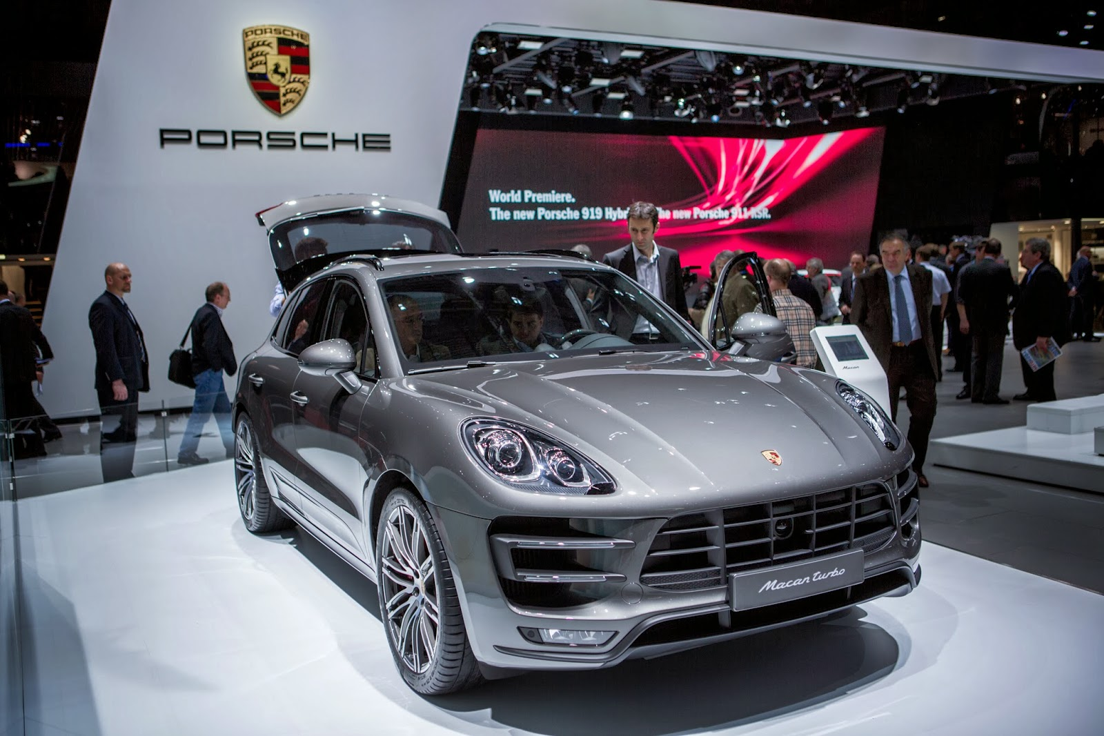 Auto Industry, Auto Show, Automobile, Business, Cars, Exhibition, Geneva, Geneva Motor Show, Lamborghini, Macan Turbo, Motor Show, News, Peugeot, Porsche, Smart cars, Technology,