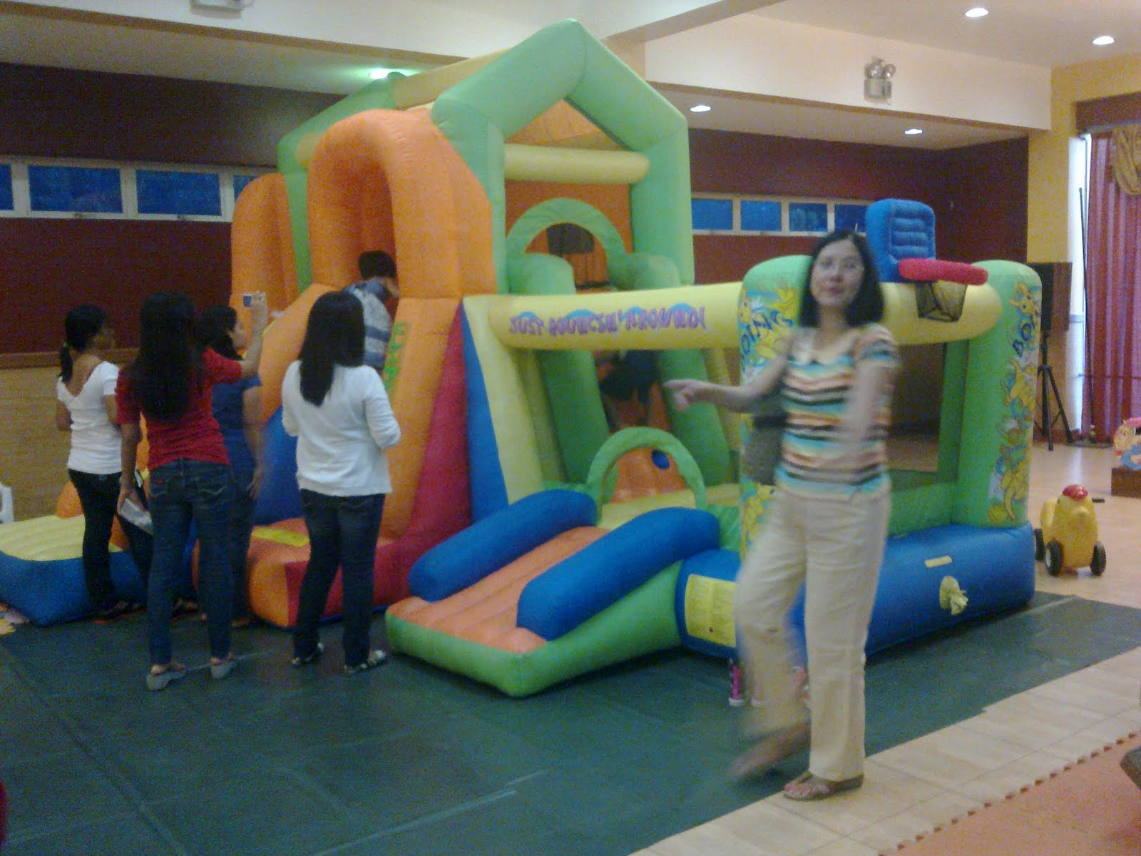 Inflatables Amp Trampoline For Rent May 14 2011