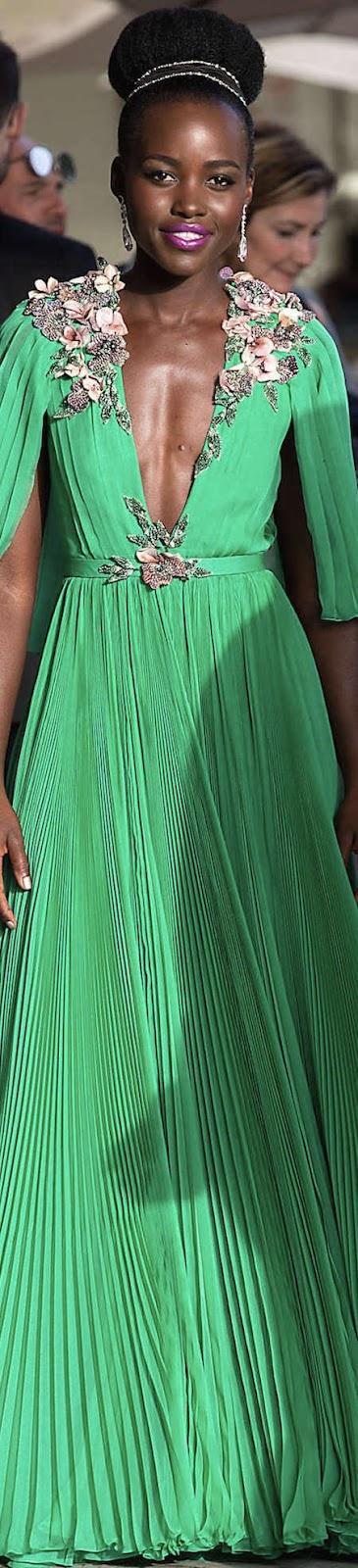 Lupita-Nyongo-in-Green-Dress--04.jpg