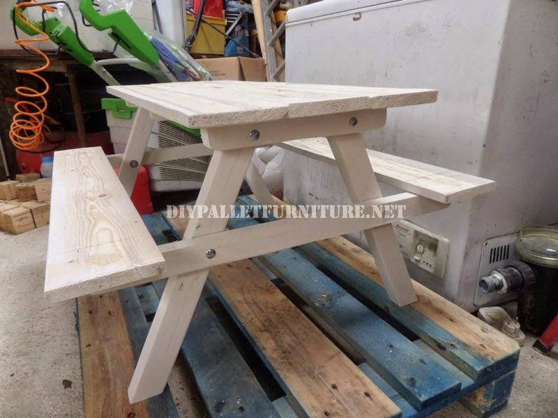 Mesa con bancos incorporados hecha - Como hacer una mesa abatible ...