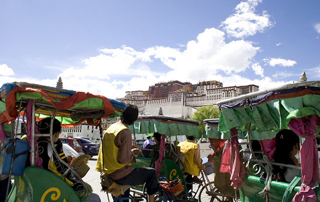 TIBET-TRAVEL-YELLOW-TREND-TALESTRIP