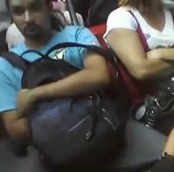 Homem Flagrado Se Masturbando Dentro Do Trem Lotado Em Sp Alta