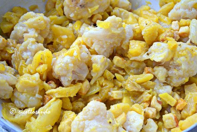 Orecchiette gialle con zafferano e cavolfiori prepariamo il condimento