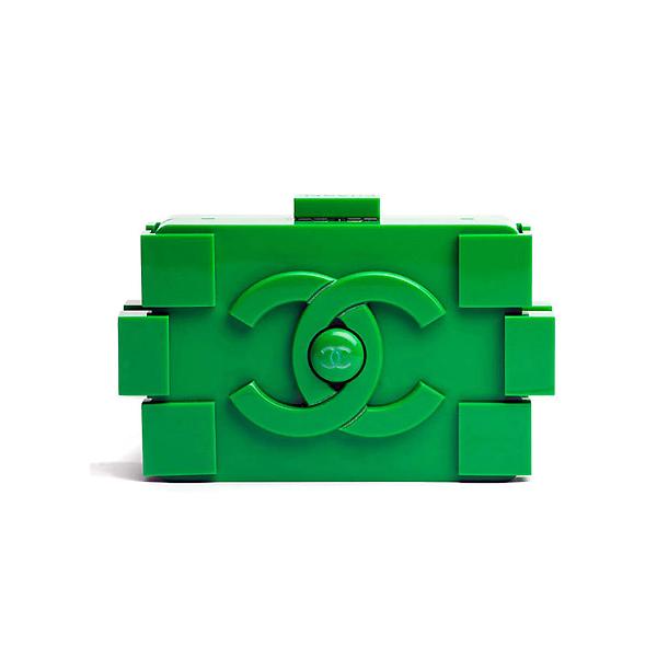 Chanel Lego pochette on www.designandfashionrecipes.com
