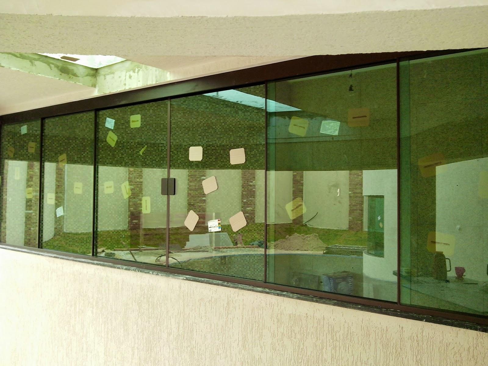 #373F18 FRANCO VIDROS TEMPERADOS: Instalação em Ourinhos 754 Janelas Vidros Verdes