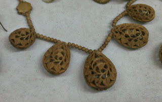 carved jewellery from India , carved shell beads