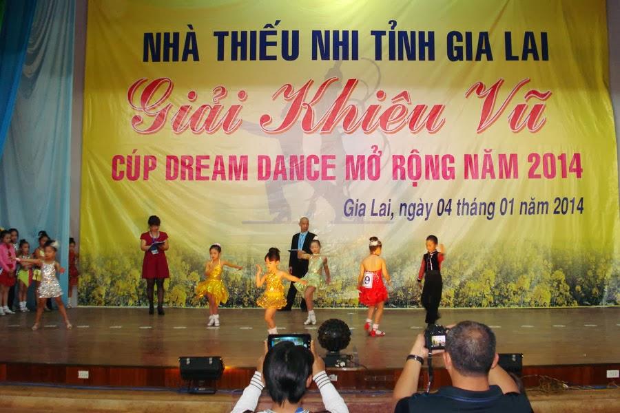 Gia Lai: Sôi nổi phong trào khiêu vũ