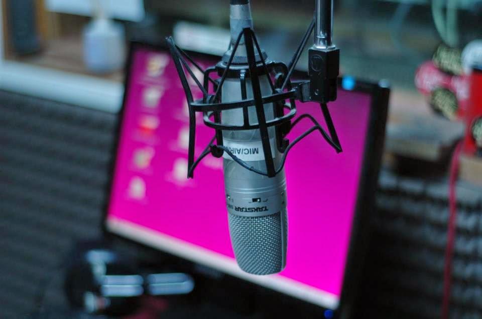 Momentaneamente podés escuchar RadioMontaje en vivo por aquí
