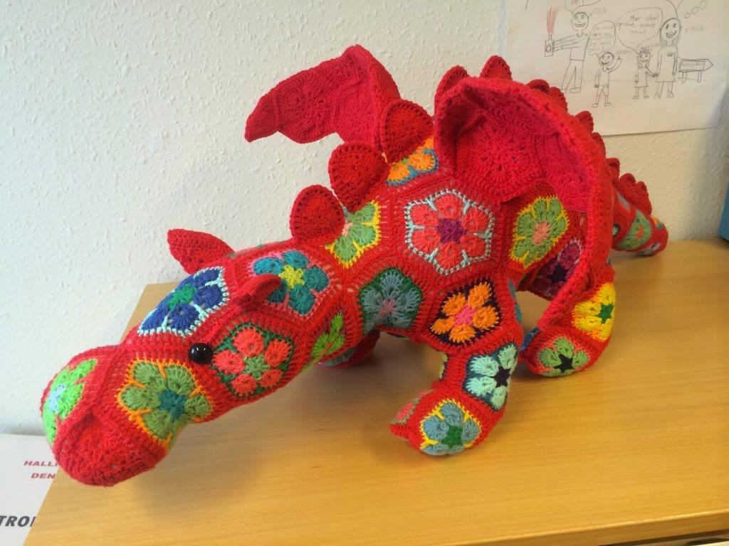 African Flower Crochet Dragon Pattern : Hverdagsh?kling: Drage #1