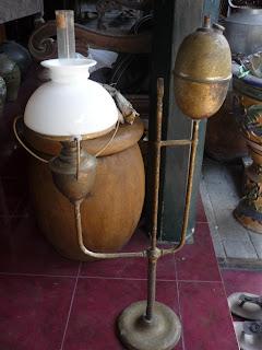 barang antik lampu teplok mocopat macapat