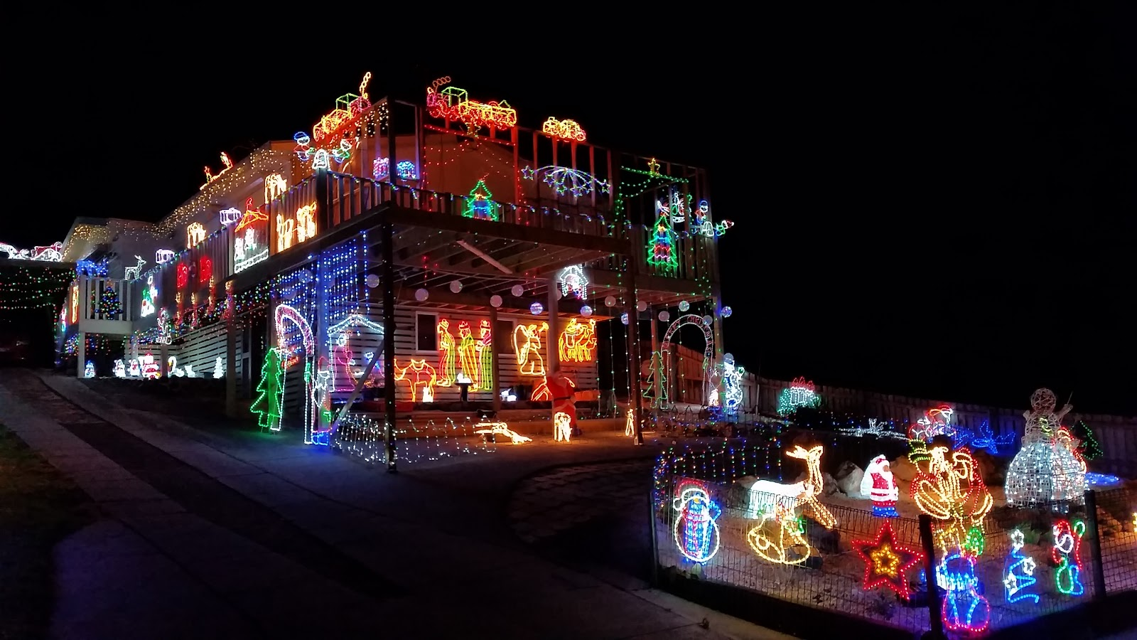 the finest display of lights and festive cheer on kelso road
