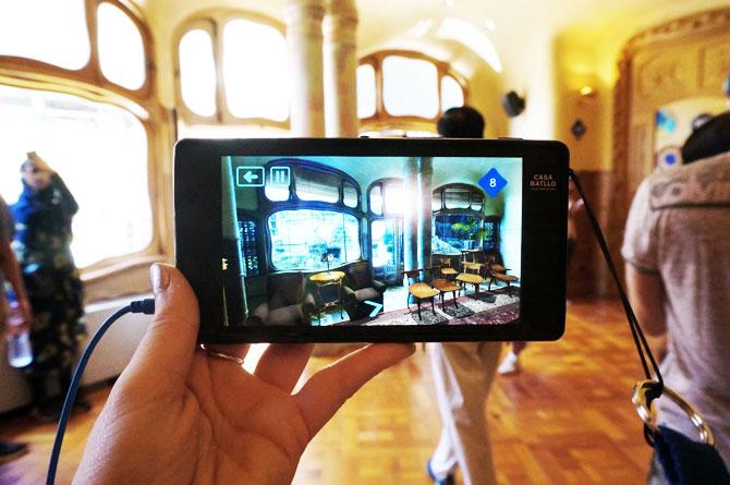 Audioguide et écran interactif dans la casa Batllo