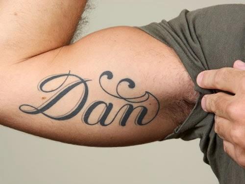Tatuagem de nome foto