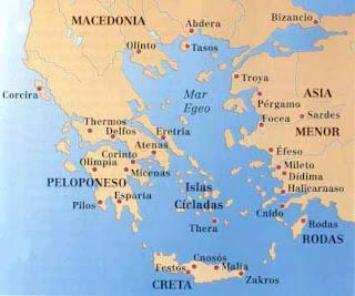 El oráculo de Delfos influyó en gran manera en la colonización de las costas del sur de Italia y de Sicilia. Llegó a ser el centro religioso del mundo helénico.