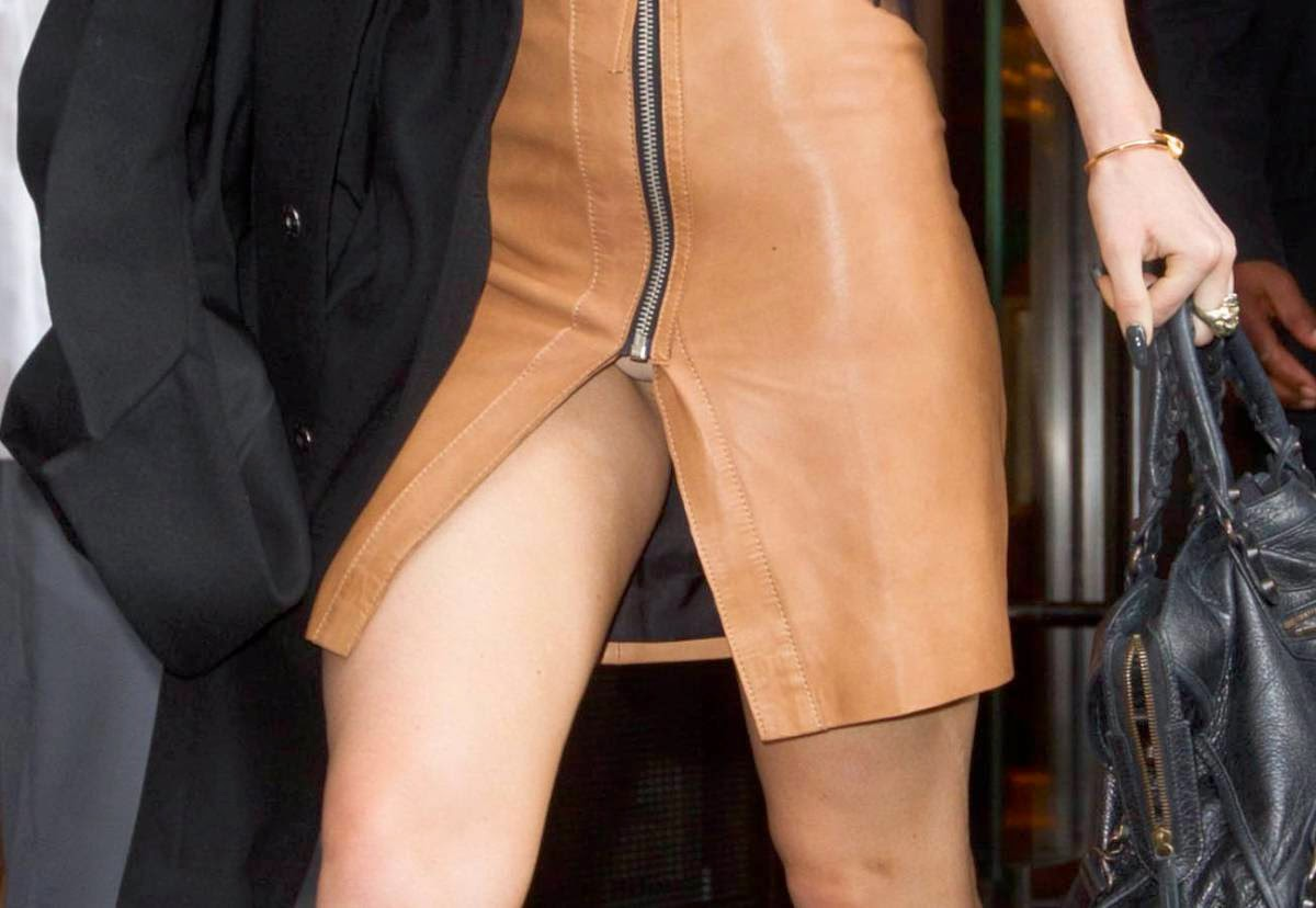 Kylie Jenner - Hot Upskirt Candids in New York