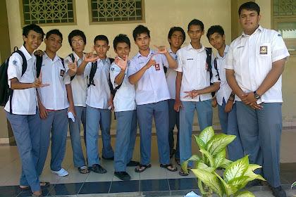 kebahagiaan kelulusan UAN 2011