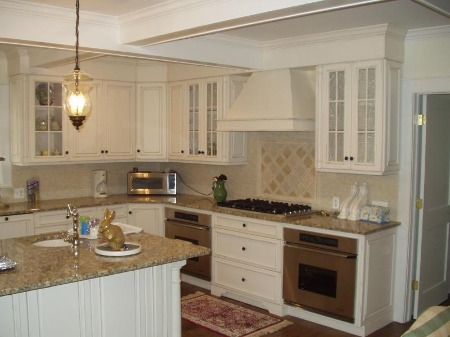 edmo woodworking - Beige Kitchen Cabinets