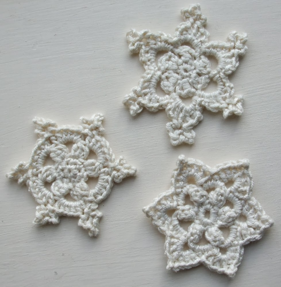 Free Crochet Pattern For Snowflake : Learn to Crochet - 7 Fun, free crochet patterns for beginners!