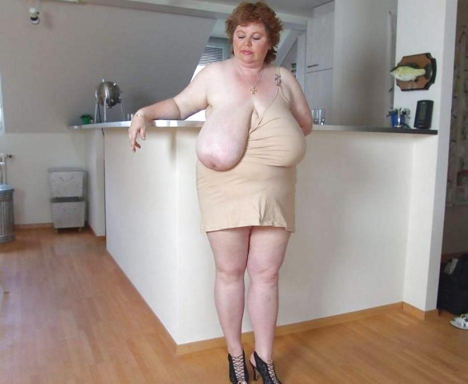 Slim ebony petite women nude