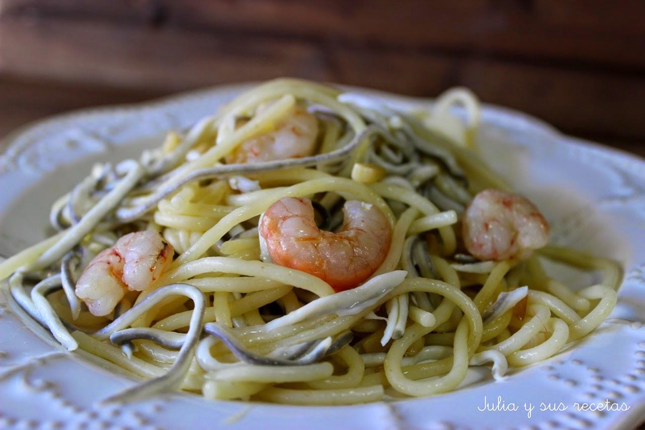Espaguetis con gulas y gambas - Espaguetis con gambas y champinones ...