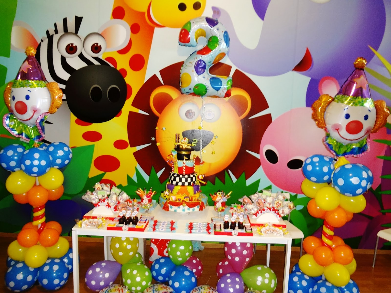 Arteconfesta festa il circo for Cartelloni di carnevale scuola primaria