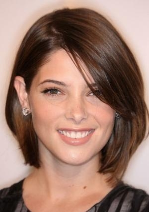 Top Hairstyles Models: Short Haircuts For Thick Hair And Oval Face ...