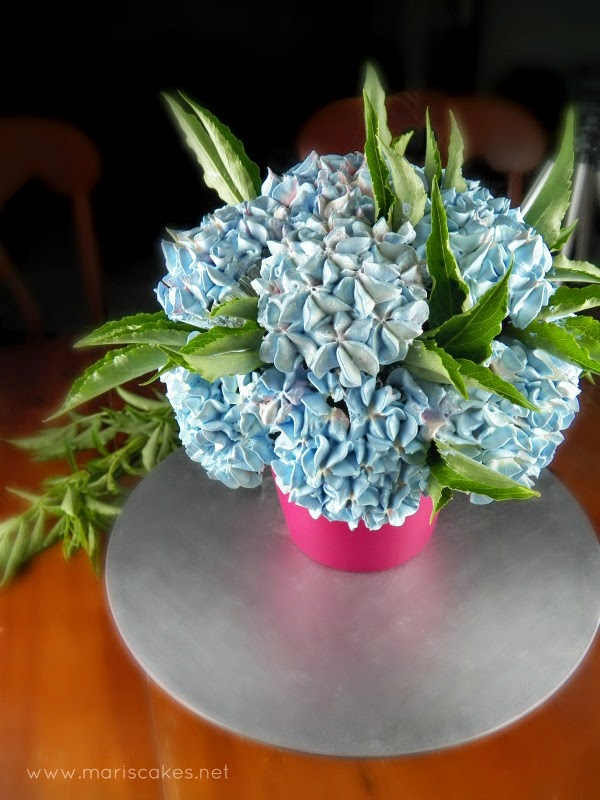 how to eat cupcake bouquet