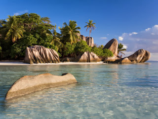Digue Isla paradisiaca con hermosas playas