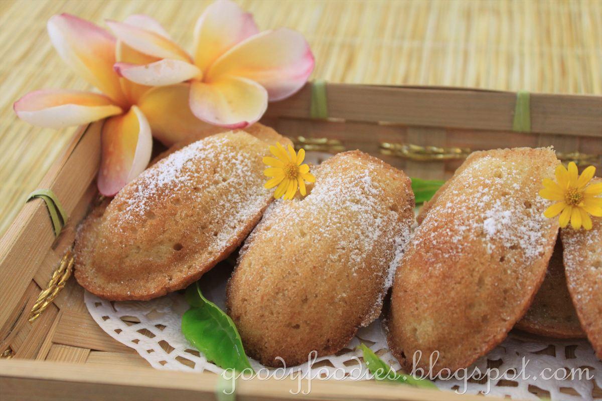 GoodyFoodies: Recipe: Honey & vanilla madeleines