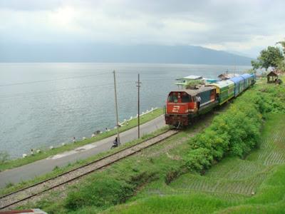 Objek Wisata Danau Singkarak Solok Sumatera Barat (Sumbar)