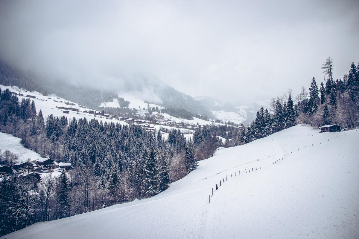 Schneebedeckte Berge in den Alpen