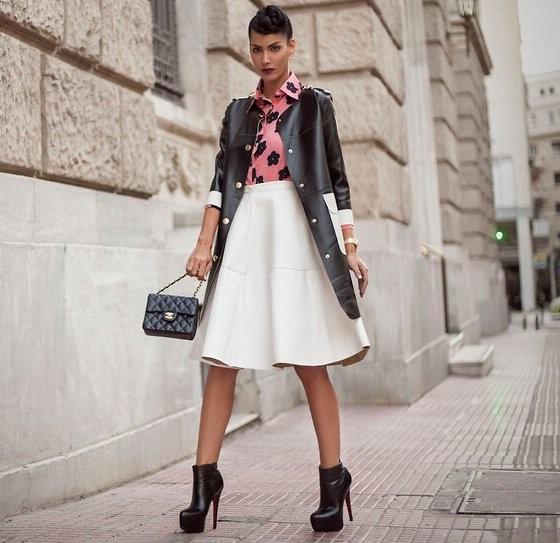 Фото красивой девушке на высоченных каблуках 7 фотография
