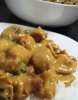 PTS e Champignon ao Molho de Curry (vegana)