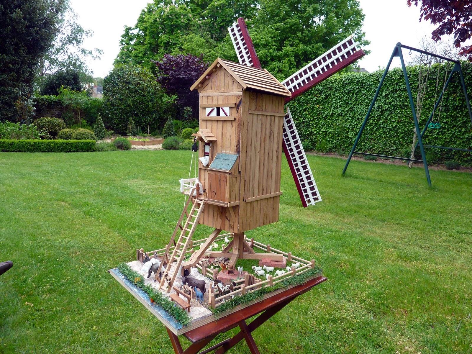 Jardin de la sauvagine la maison o je suis n ou les for Moulin en bois pour jardin