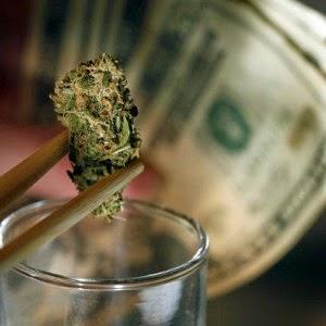 dinheiro em torno da cannabis