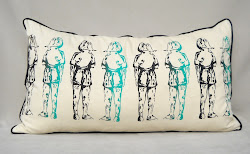 """Las niñas"" XL pillows"