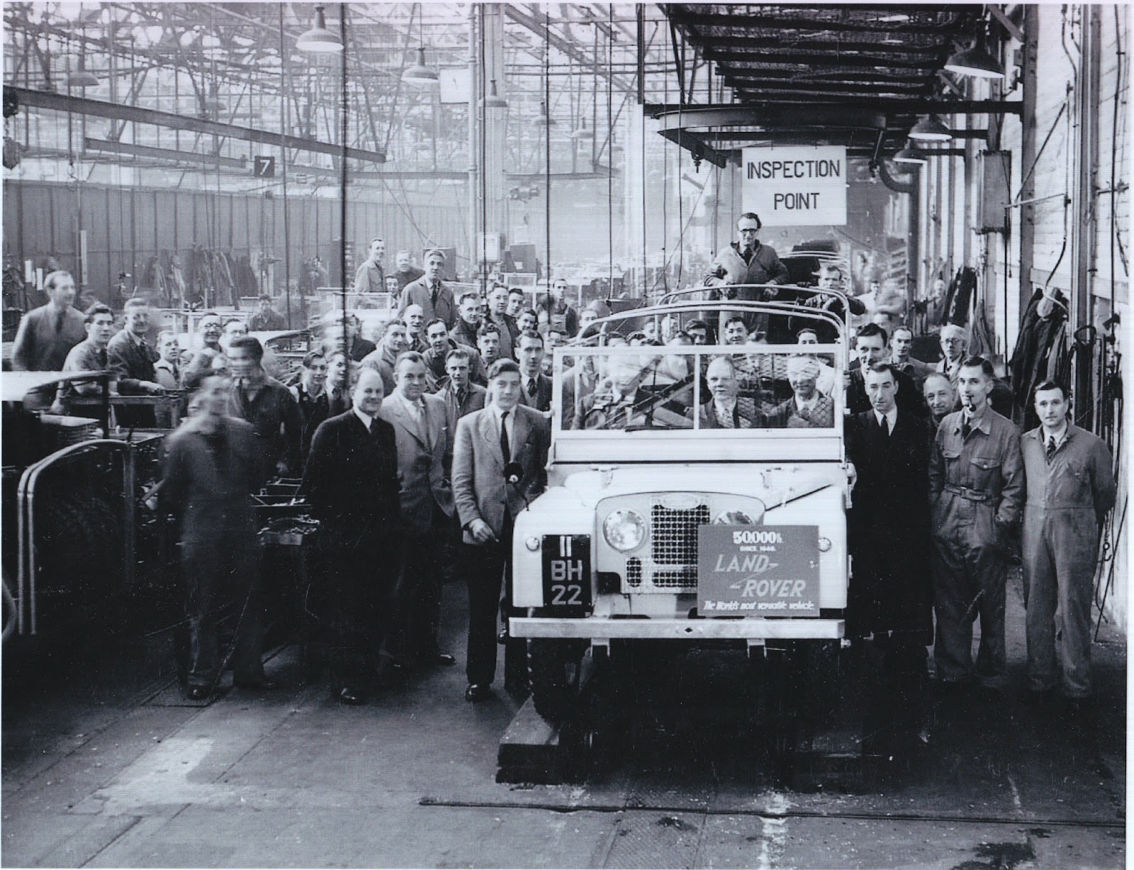 La Defender la Land Rover e una volta si chiamava solo l auto e non il marchio ha terminato la sua lunghissima stagione produttiva