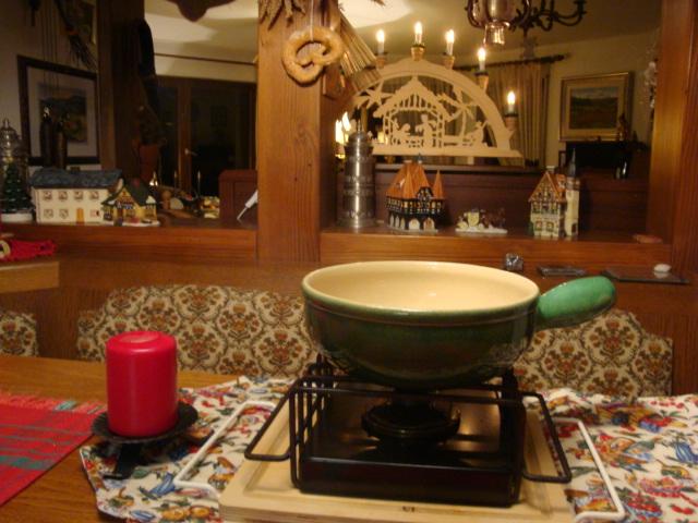 spring fondue set