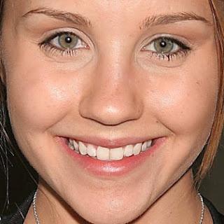 Amanda Bynes smile