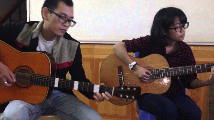 Người mới học đàn guitar cần biết