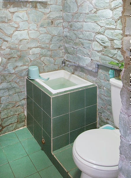 kamar mandi minimalis sederhana