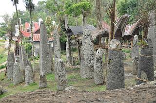 Ingin Melihat Banyak Situs Megalitik, Datang ke Lahat!