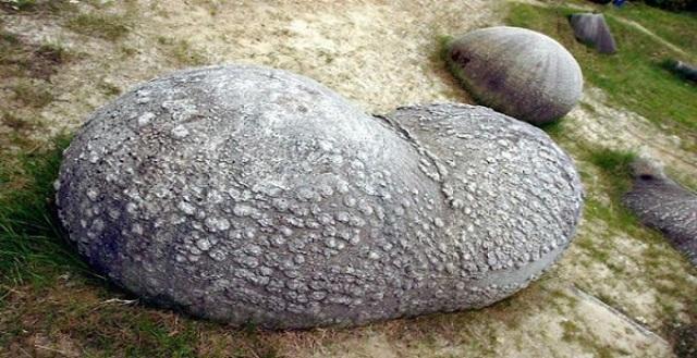 Ότι πιο περίεργο υπάρχει στη γη – «Ζωντανά» βράχια μεγαλώνουν με τη βροχή και… περπατάνε!