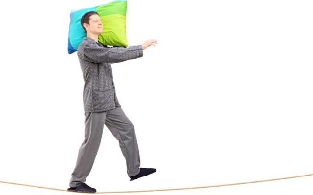6 Hal Yang Menyebabkan Seseorang Tidur Berjalan